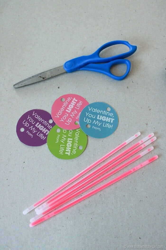 Glow Stick Valentine Free Printable-2