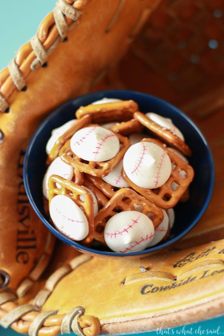 How to Make Pretzel Bites as baseballs