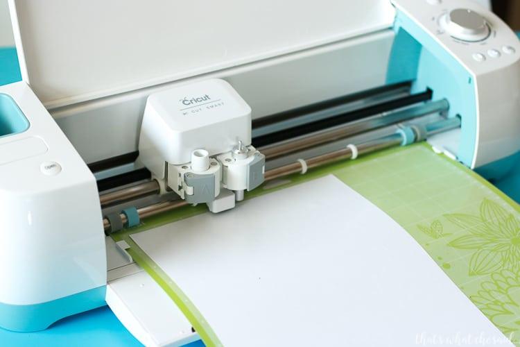 Cutting Heat transfer vinyl on a cricut machine