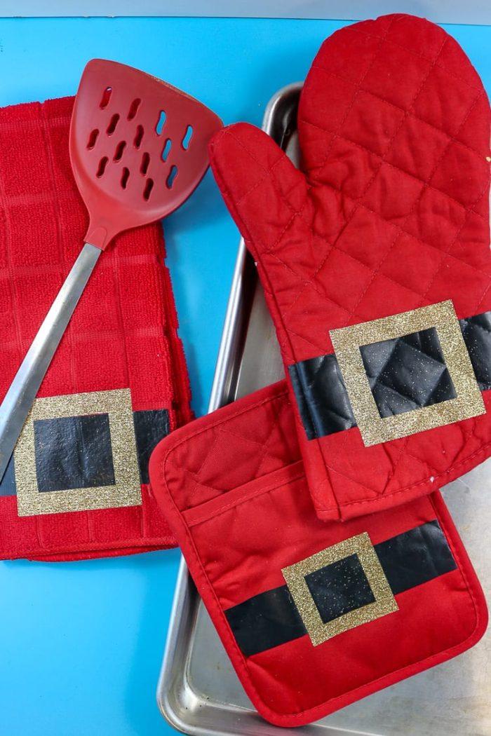 Santa Oven Mit, Hot Pad and Dish Towel
