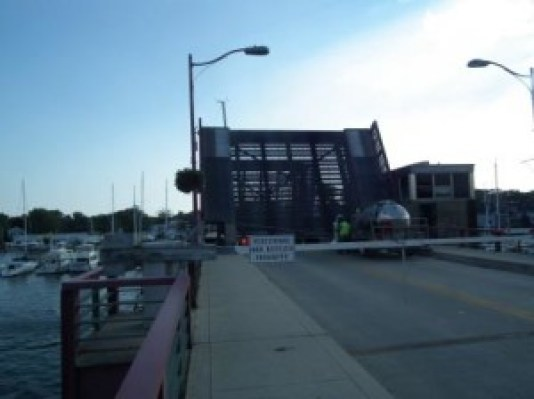 Eastport Bridge over Spa Creek at Annapolis, opens for boat traffic. THE CHESAPEAKE TODAY photo