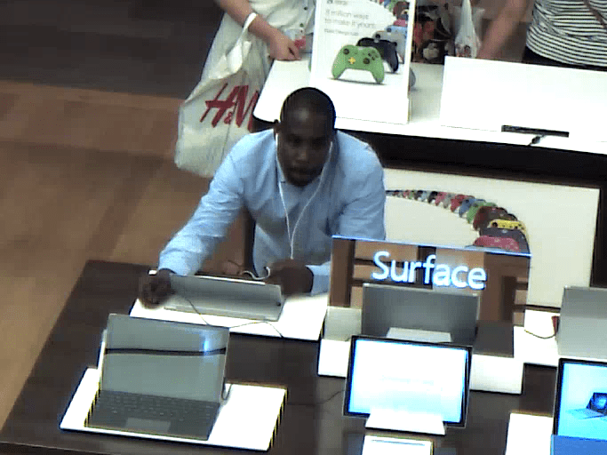 Undocumented-shopper-at-Microsoft-Store-in-Christiana-Mall-in-Newark