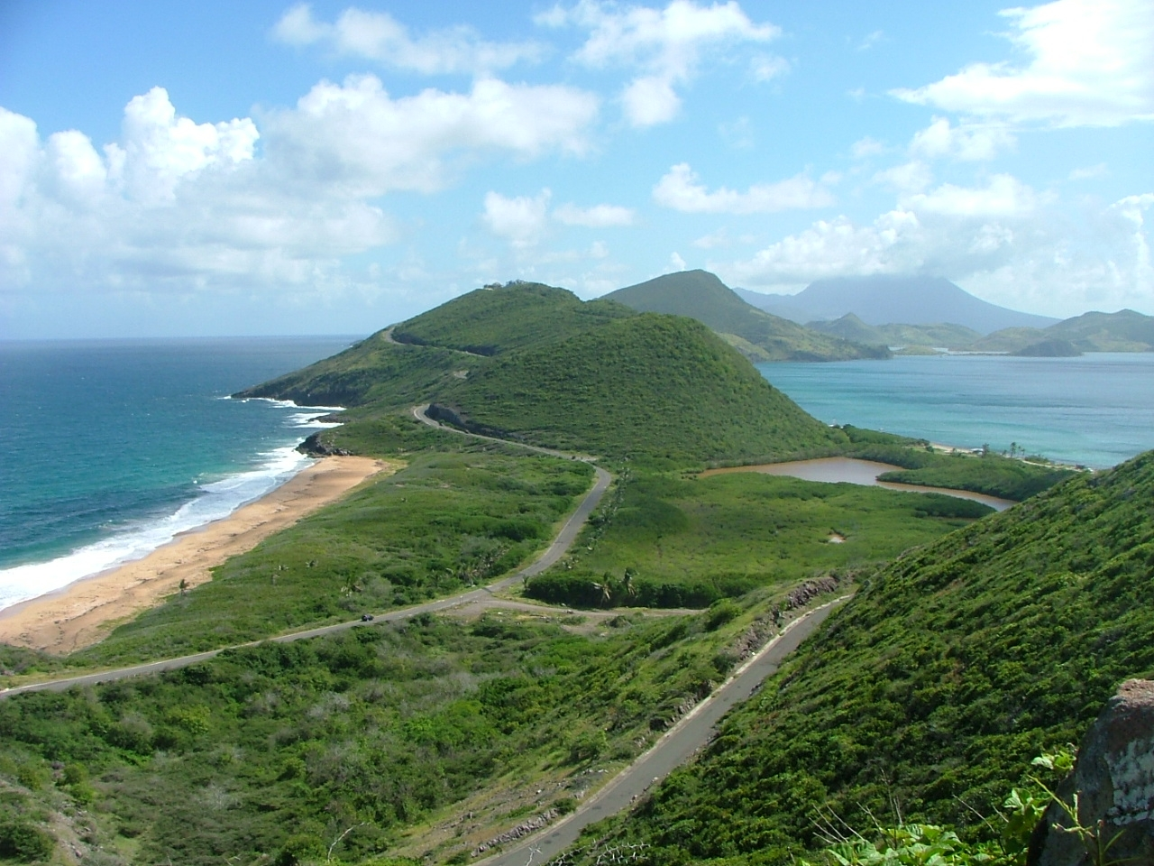 FlyerTalk Forums - Celebrity passengers robbed on St. Kitts