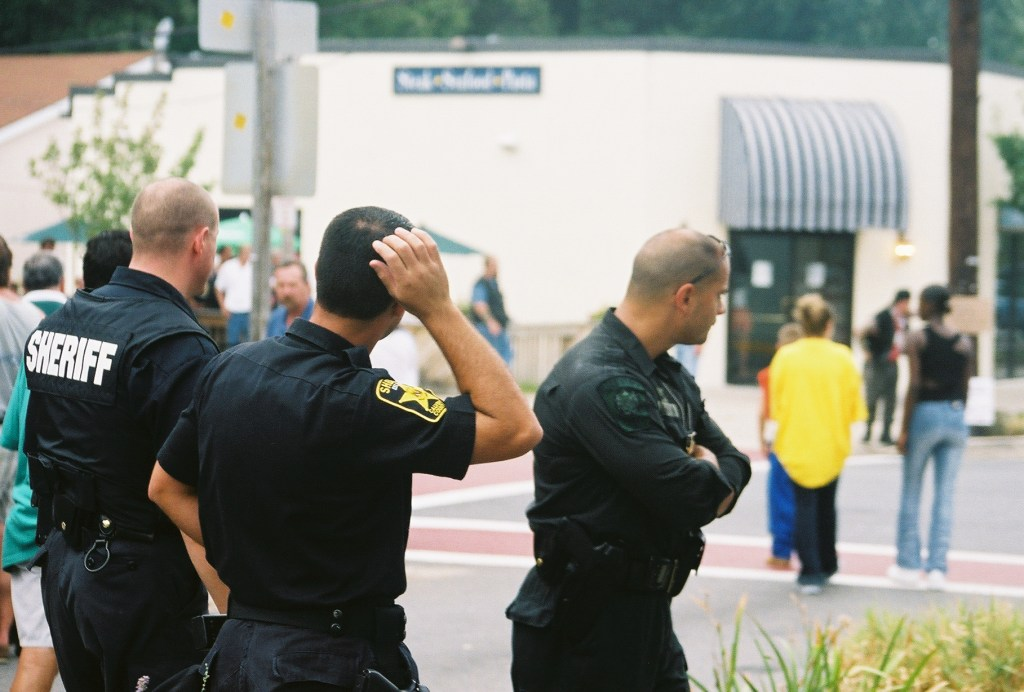 Cops from around Southern Maryland kept an eye on outlaw bikers in North Beach in 2002.