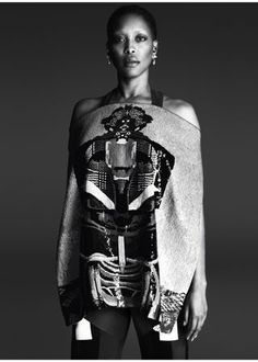 Erykah Badu is the new face of Givenchy's Spring 2014 Campaign, Erykah Badu, Riccardo Tisci, Givenchy, Models of Color, Black Models in fashion, Models of Color in Fashion, Black Women, Neo Soul, Black Women in Fashion