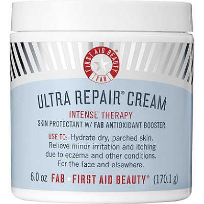 First Aid Beauty Ultra Repair Cream, Winter Skin Care, Dry Skin Tips, Winter Beauty Tips, Skin Care In Winter, Best Moisturizer For Dry Skin, Winter Skin Care Tips,