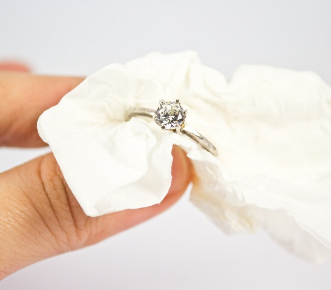 cleaning jewelry