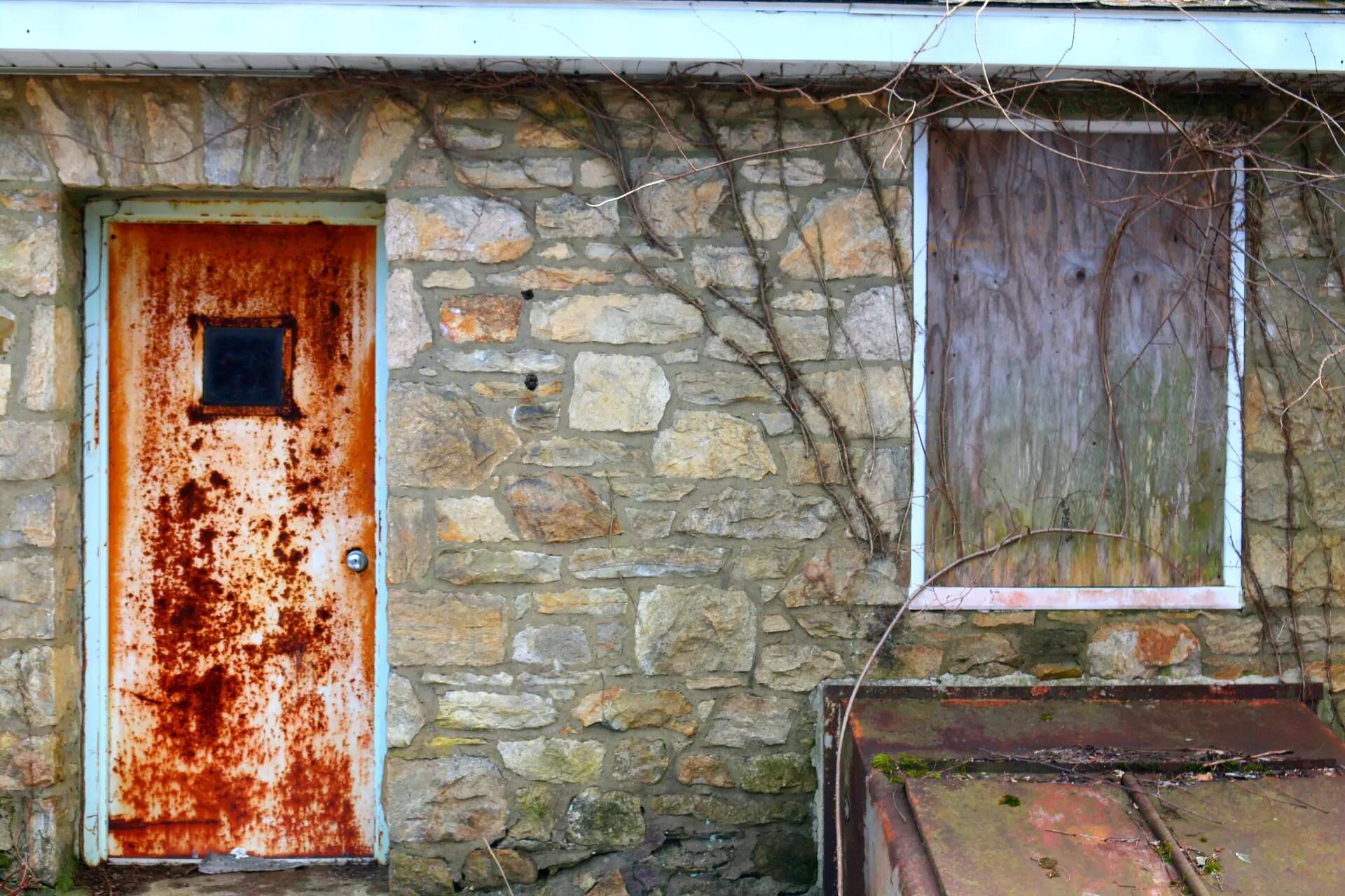 Restore Paint That Keeps Peeling Off A Steel Door & Restore Paint That Keeps Peeling Off A Steel Door | The DIY Life