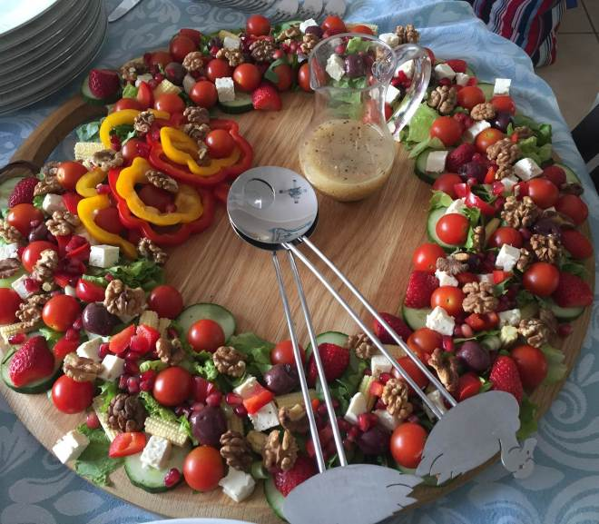 summer ring walnut and strawberry salad recipe