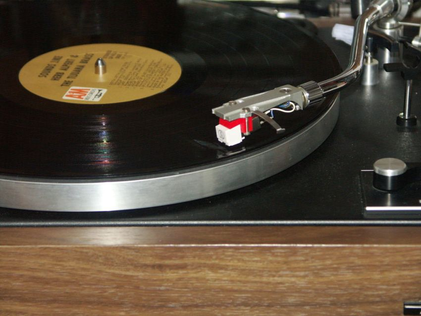 How To Deep Clean Your Old Vinyl Records Reduce