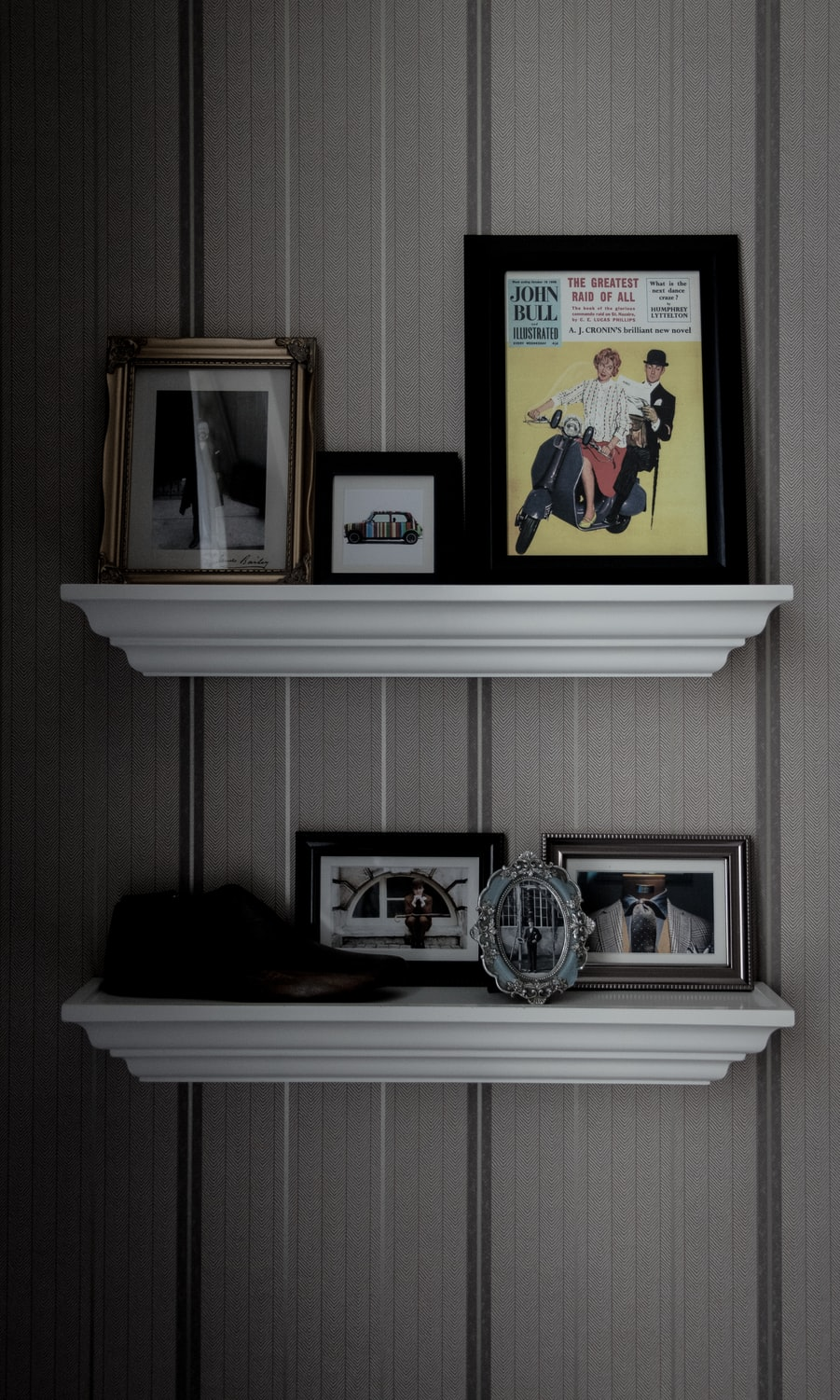 Make Your Own Stylish Picture Frame Shelf | The DIY Life