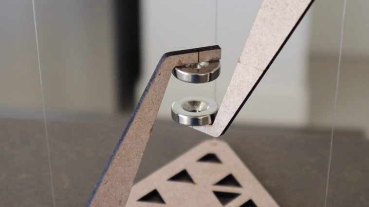 Magnetic Tensegrity Table