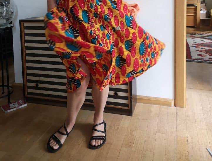 Ein selbstgenähtes Kleid aus Stoff von Executive African Textiles (eigenes Foto)