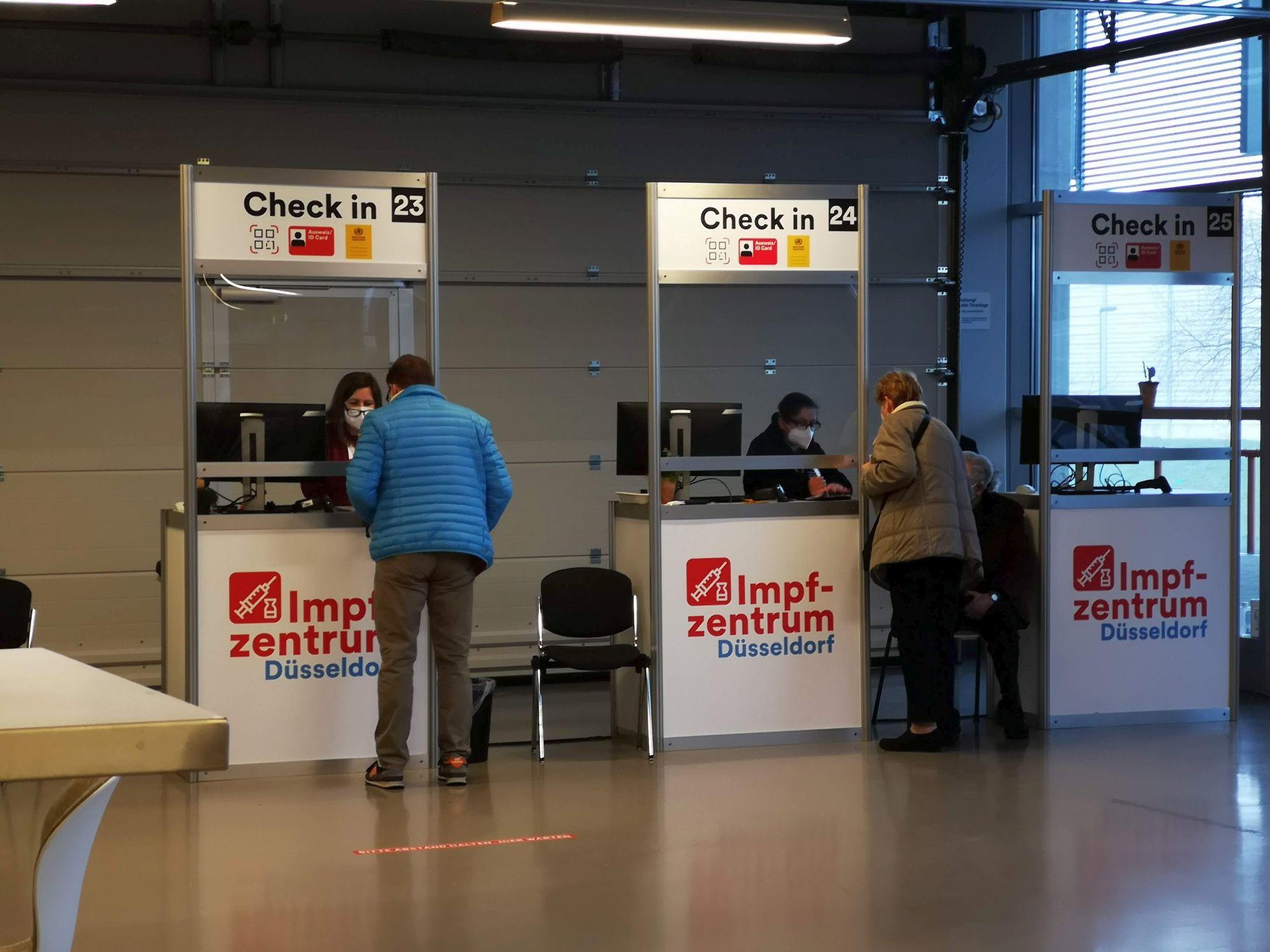 Impfzentrum Düsseldorf: Der Check-In-Bereich (Foto: TD)