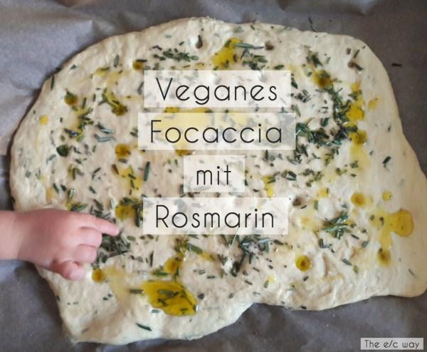 Veganes Focaccia mit frischem Rosmarin