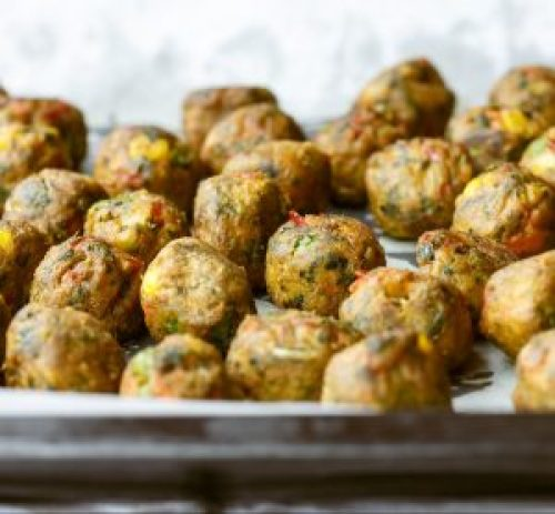 Protein-Gemüsetaler als Snackkügelchen
