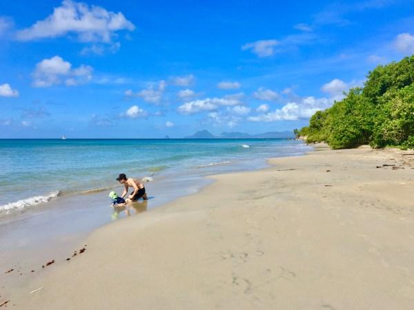 Das türkisblaue Meer und der unberührte Strand war jeden Moskitostich wert - Baden auf Martinique am Anse Mustique