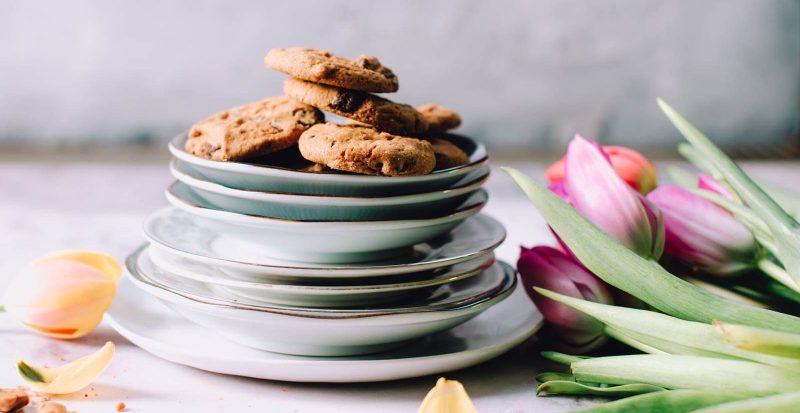Vegane Chewy Chocolate Chip Cookies - Photo by Jennifer Pallian