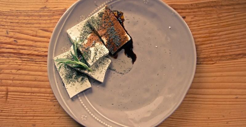 Tofu mit veganer Yaki-Soße