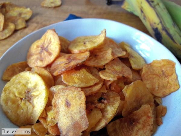 Knusprige Kochbananenchips sind ein gesunder Snack