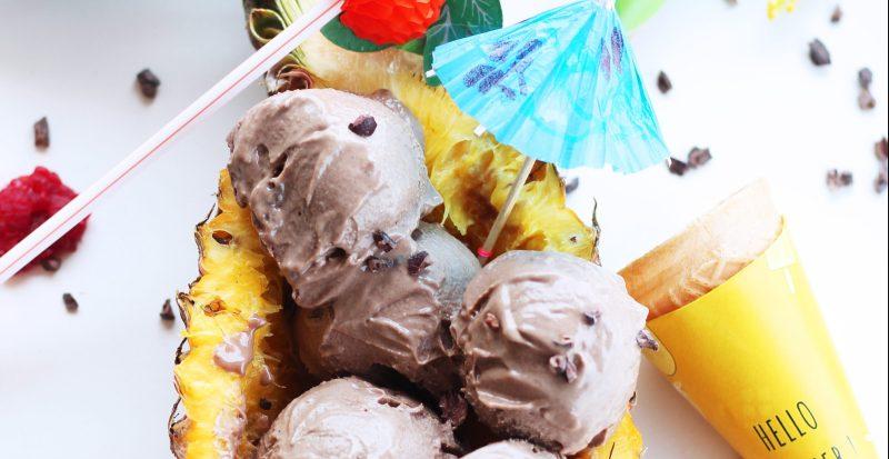Vegane Schokoladen-Nicecream mit Keksen