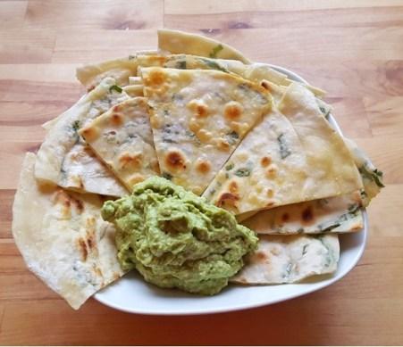 Veganes chinesisches Fladenbrot mit Guacamole