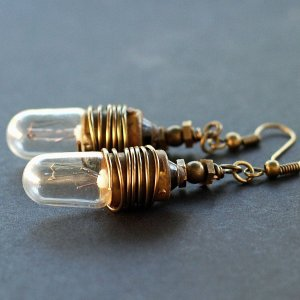 steampunk_light_bulb_earrings_by_tanith_rohe-d3heok2