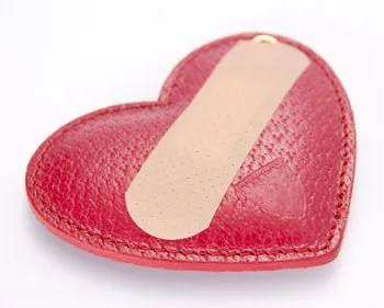 A Band-aid for love © Monkey Business Images | Dreamstime.com