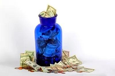 Money in jar © Michael Elliott | freedigitalphotos.net