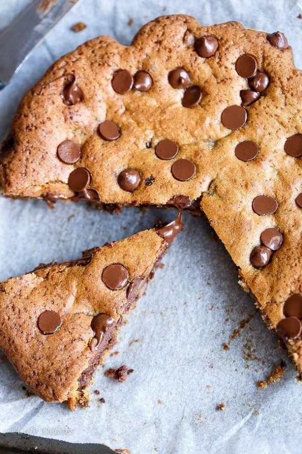 Nutella Stuffed Deep Dish Cookie - Cafe Delites