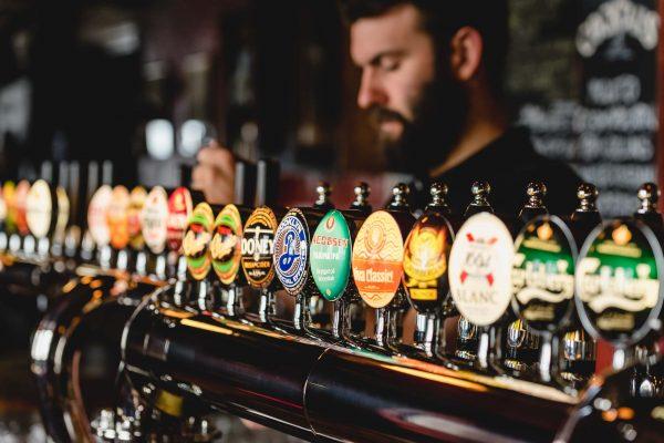 bar irish pub