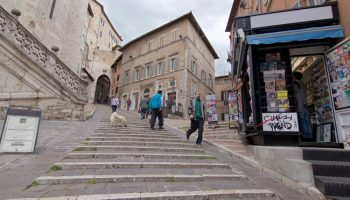 edicola 518 vista dalle scale di sant'ercolano, Perugia