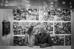 Massimo Gradini e Monica Bartolucci prendono un drink al bar Mè di Trestina