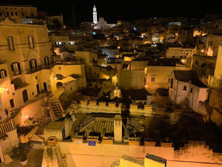 panorama notturno di Matera