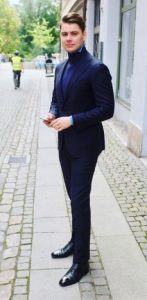 suit-and-rollneck