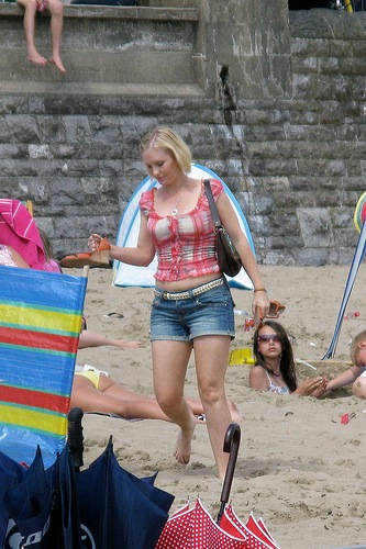 Joanna Page filming Gavin & Stacey in Barry