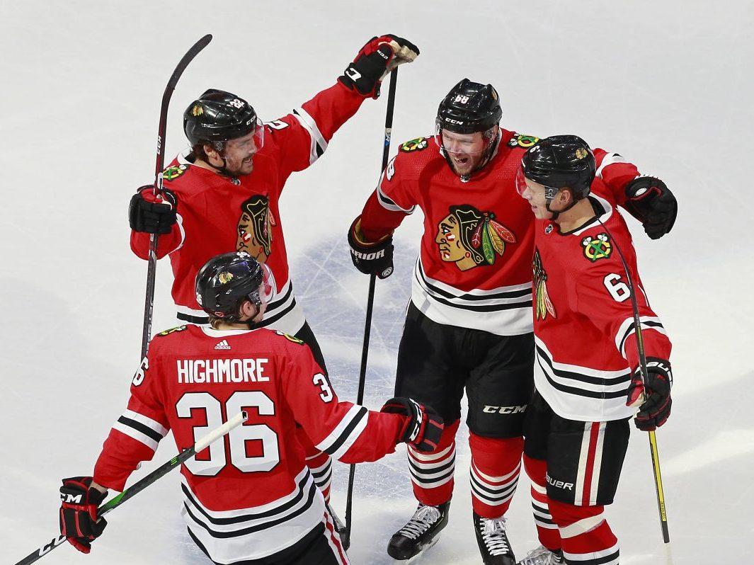 Along the Boards: Blackhawks defeat Oilers 4–3, take 2–1 series lead