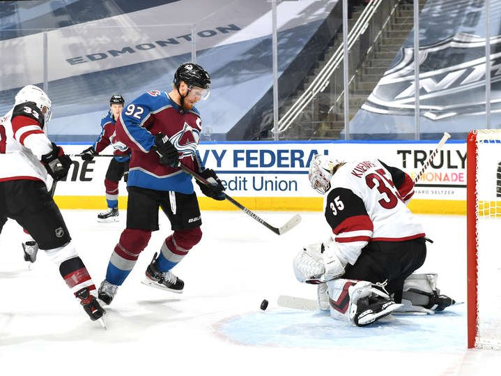 Kuemper shines to lead Coyotes past Avalanche in Game 3