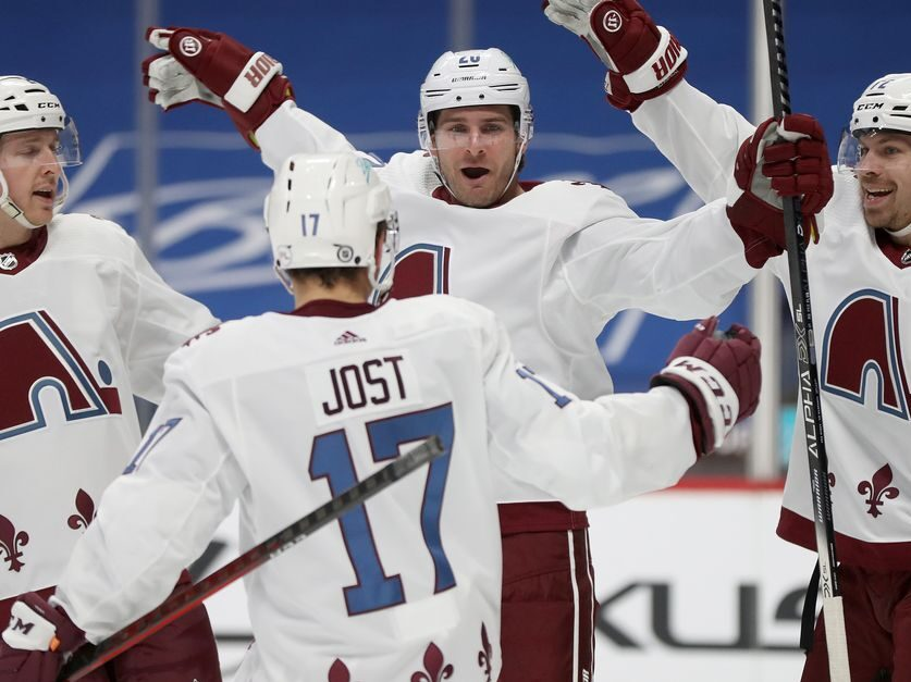 Avalanche earn point in 5–4 overtime loss, split series with Ducks