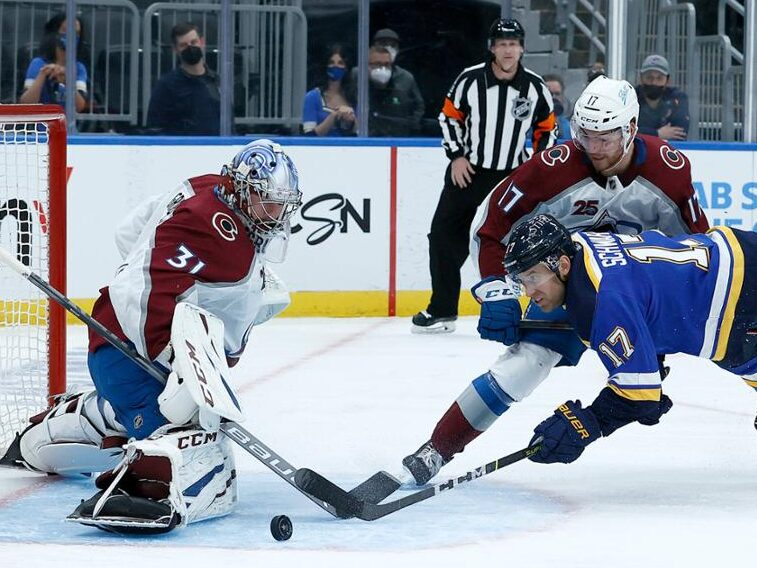 Avalanche sweep Blues, advance to second round
