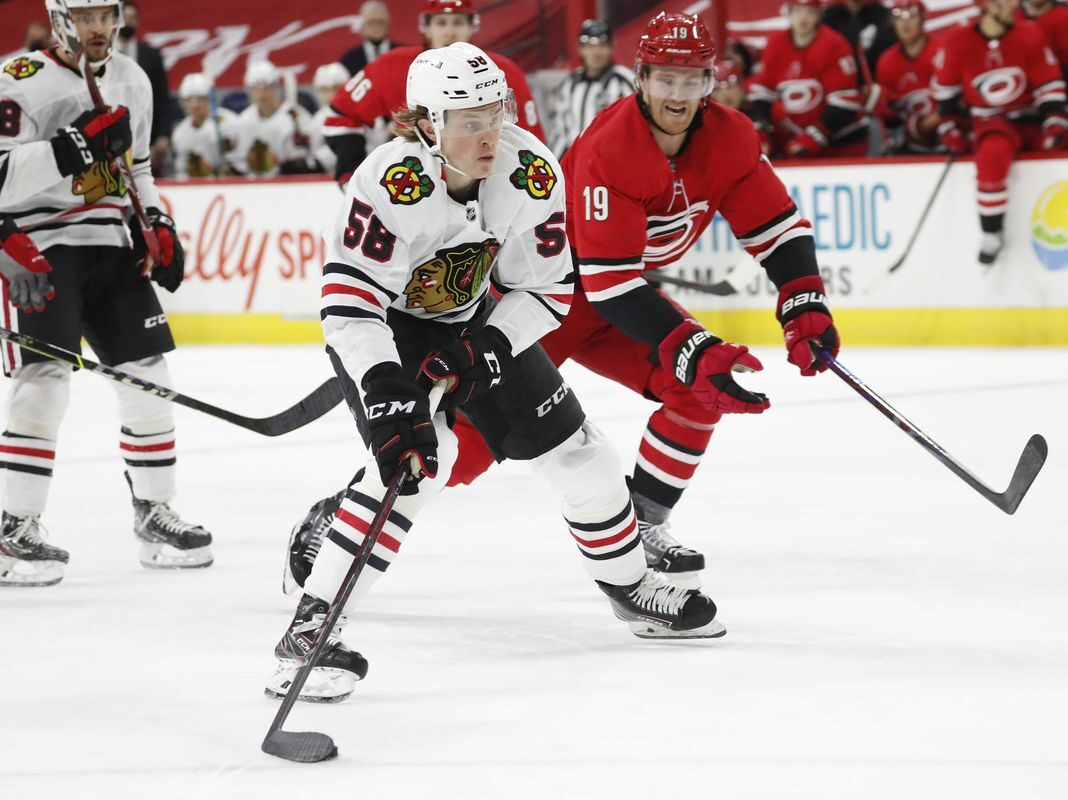 Blackhawks sign MacKenzie Entwistle to two-year extension