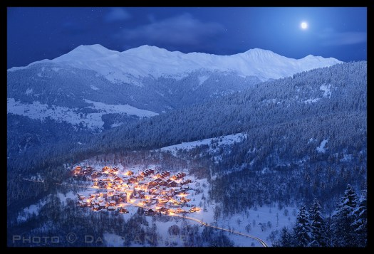 Méribel Village at night. Photo credit: Les 3 Vallées.