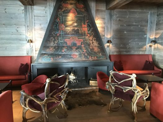 A detail of the living room at Le Crans. Photo: The-Ski-Guru.