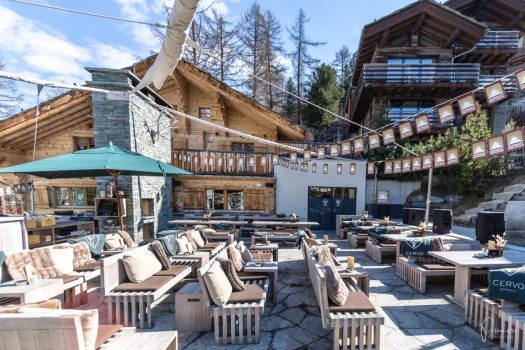Cervo Hotel's terrace, a popular place for the après-ski.