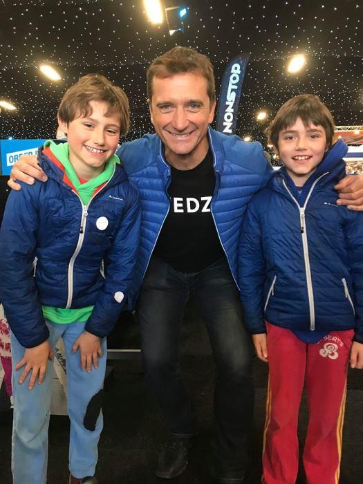 The boys were very happy to meet Graham Bell of Ski Sunday. Photo: The-Ski-Guru.