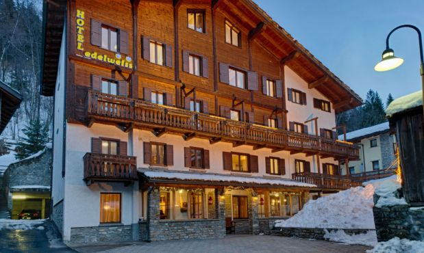 Hotel Edelweiss, a 2* that is a 'jewel' in Courmayeur. Location is great in the middle of town, just off Via Roma.