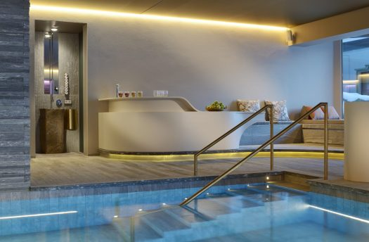 Hotel Arlberg Pool with Teebar - Photo: Hotel Arlberg. The Must-Read Guide to Lech.
