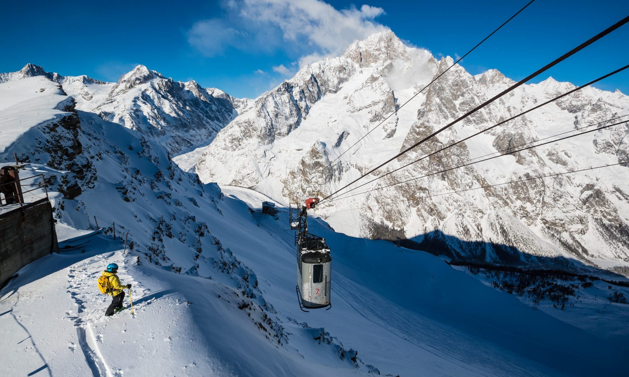 Arp - Courmayeur Mont blanc Funivie - Photo: Lorenzo Belfrond. Courmayeur Mont Blanc Funivie is opening two new slopes with amazing panoramic views.