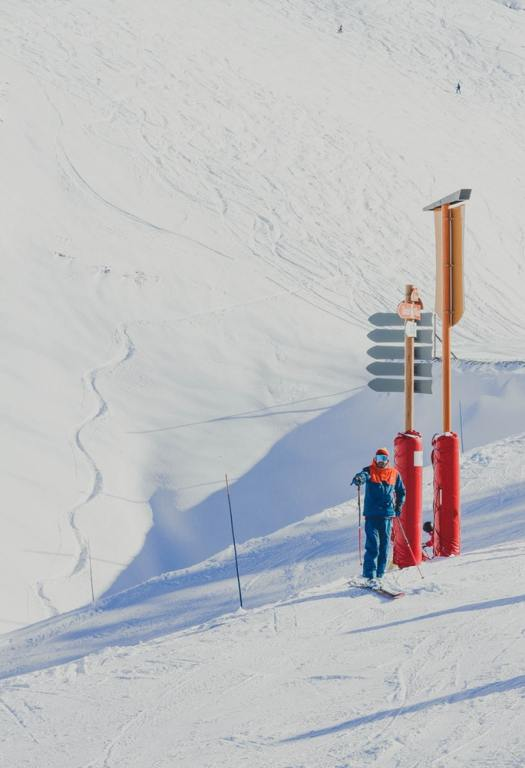 Hotelplan UK Group acquires Flexiski . Photo: Unsplash. Toa Heftiba. Les Deux Alpes