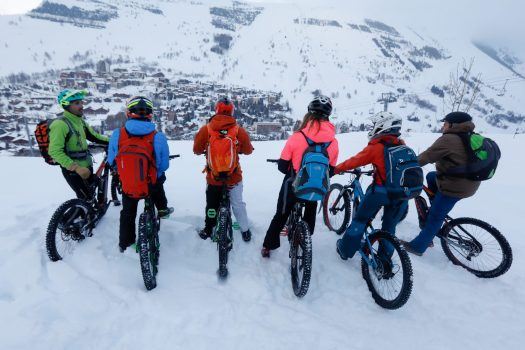 Fat tire bikes in the snow. Photo b Nils Louna. Les 2 Alpes. What is New at Les 2 Alpes this season.